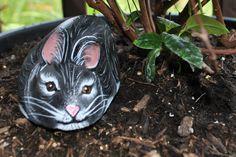 Garden+Art+Bunny+Rabbit+Painted+Rock+by+PETROCKIN+on+Etsy