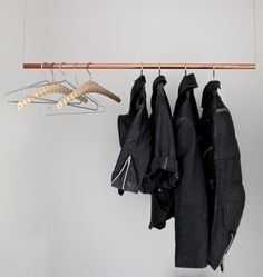 Floating Clothing Rack - Most Creative DIY Coat Rack Design Ideas Hanging Clothes Racks, Diy Clothes Rack, Hanging Racks, Diy Hanging, Clothes Rail, Clothes Stand, Hanging Closet, Clothes Hangers, Hanging Storage