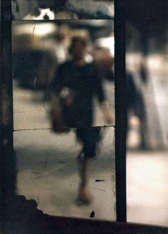 Saul Leiter - Shopping, c. 1953 © Saul Leiter / Courtesy Howard Greenberg Gallery, New Saul Leiter, Tim Walker, William Eggleston, Artistic Photography, Fine Art Photography, Fashion Photography, Photography Ideas, Urban Photography, Abstract Photography
