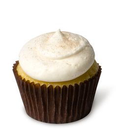 Eggnog – A nutmeg-infused eggnog cupcake topped with rich eggnog cream cheese frosting.