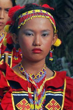 Filipino - @influenster @dinolingo Filipino Fashion, Filipina Girls, Beautiful People, Beautiful Women, Philippines Culture, Filipino Culture, Tribal People, Love Culture, Costume
