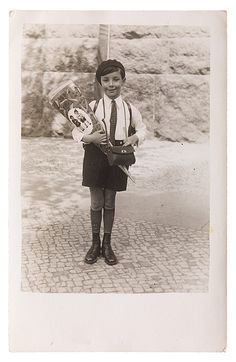 Peter Jacob an seinem ersten Schultag, Berlin, 3. Mai 1933. Schenkung von Peter Sinclair, früher Peter Jacob