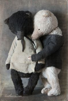 umla:  (via (74) Lost Bears | dolls | Pinterest)