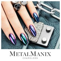 MetalManix Chameleon #nails #nail #indigo #metalmanix #metal #chrome #mirror #effect #winter #newyearnails