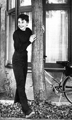 """""""For beautiful eyes, look for the good in others; for beautiful lips, speak only words of kindness; and for poise, walk with the knowledge that you are never alone."""" Audrey Hepburn, 1950"""