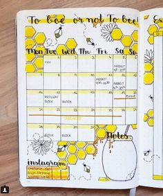 40 More Stunning bee and honey bullet journal spreads - ideen januar Bullet Journal August, Doodle Bullet Journal, Bullet Journal Disney, Bullet Journal Spreads, Bullet Journal Cover Page, Bullet Journal Notebook, Bullet Journal Themes, Bullet Journal Layout, Borders Bullet Journal