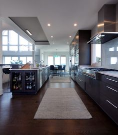 Emerald Isle #Vacation #Home #Kitchen  #INTERIOR #DESIGN: Olamar Interiors, LLC | See more projects at: http://www.HandD.com/PaolaMcDonald