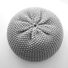 pouf_knitted_homemade