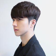 Haircut mens hipster hairstyles Ideas for 2019 Round Face Haircuts, Trendy Haircuts, Haircuts With Bangs, Cool Haircuts, Haircuts For Men, Korean Men Hairstyle, My Hairstyle, Hair Styles Korean Men, Korean Haircut Men