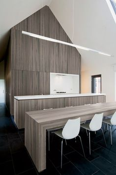 Young European veneer brand Shinnoki has released new styles for its 2.0 prefinished panel product. Recently added are brushed surfaces, a l...