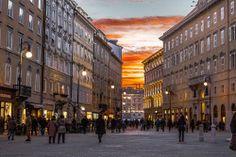 Trieste - Italia Capo di Piazza: Tra Piazza della Borsa e piazza Unità