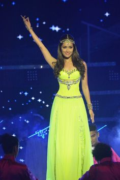 Shraddha Kapoor on stage at the Femina Miss India 2014. #Style #Bollywood #Fashion #Beauty