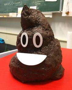 poo emoji cake i made for my good friend Daan, who always makes dope cakes for everybody else!