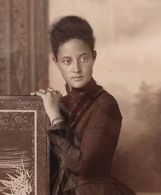 Kaiulani_in_San_Francisco,_1889_(against_screen) | Flickr - Photo Sharing!