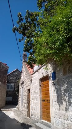 Cavtat Croatia, Boat Tours, Dubrovnik, Cabin, Mansions, House Styles, Home Decor, Decoration Home, Manor Houses