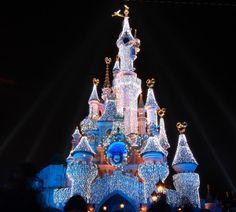 Χριστούγεννα στο Παρίσι Disneyland Paris, Sequoia Lodge, Days Out, Life Is Good, Holiday Decor, Spirit, Club, Christmas, Xmas