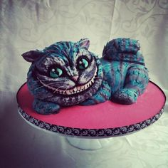 Cheshire Cat - Alice in Wonderland | 27 Delectable Geeky Cakes Almost Too Pretty To Eat