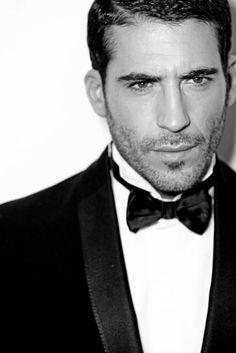 Miguel Angel Silvestre--thank you, Spain! Velvet Serie, Velvet Tv Series, Miguel Angel, Most Beautiful Man, Gorgeous Men, Theater, Ally Mcbeal, Ideal Man, Dapper Gentleman