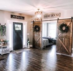 Excellent rustic farmhouse living room are available on our site. Take a look and you wont be sorry you did. Style At Home, Farmhouse Plans, Farmhouse Decor, Farmhouse Remodel, Farmhouse Livingrooms, Rustic House Decor, Modern Farmhouse, Farmhouse Style, Home Living Room