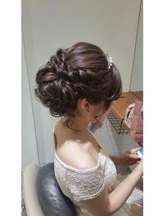 シニヨン Wedding Tiara Hairstyles, Rustic Wedding Hairstyles, Elegant Hairstyles, Party Hairstyles, Bride Hairstyles, Wedding Party Hair, Elegant Wedding Hair, Bridal Hair, Asian Wedding Makeup