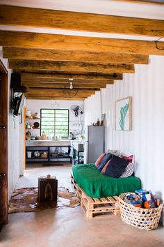Tiny House Movement, Tiny House Living, Home Living Room, Concrete Jungle, Tiny Houses For Rent, Container Architecture, Shipping Container Homes, Living Room Lighting, Renting A House