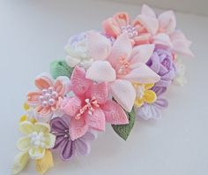 イメージ 2 Cloth Flowers, Diy Flowers, Crochet Flowers, Fabric Flowers, Paper Flowers, Ribbon Art, Diy Ribbon, Fabric Ribbon, Flower Crafts