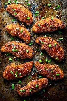 Sticky Garlic Chicken with Broccoli - semi-crispy, sticky-saucy, and loaded with honey garlic flavor. LOVE. 340 calories. | pinchofyum.com #chicken #recipe