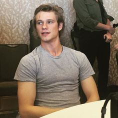 Flashback to #SDCC and @lucastill to brighten up your Tuesday.