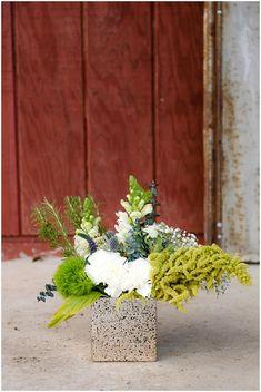 Wedding Flowers | The Budget Savvy Bride