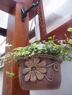 mmb Pottery Houses, Pottery Pots, Raku Pottery, Slab Pottery, Clay Flower Pots, Clay Flowers, Ceramic Planters, Ceramic Vase, Cement Crafts