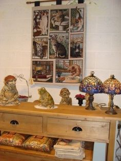 Side table in pine.  Tapestry with cats.  Tiffany. Art from Tibo. All bought by Antiek & Interieur Den Ouden Overzet, Melsele