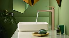 Add a personal touch to the bathroom with colourful hansgrohe FinishPlus surface finishes. Be inspired by the new trend colours now. Black Counters, Bathroom Showrooms, Bath Taps, Kitchen Mixer, Shower Panels, Shower Set, Metallic Colors, Timeless Design, Color Trends