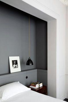 Grey walls in the bedroom / Grå vægge i sovevaerelse