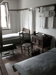 tisch waben minimalismus urtumliche schlafzimmer wandvorhange shaker stil gruner
