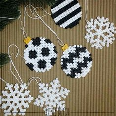 Christmas Ornament and Snowflake Ornament out of Perler Beads - DI . - Christmas Ornament and Snowflake Ornament out of Perler Beads – DIY Advent and Christmas – - Hama Beads Design, Diy Perler Beads, Hama Beads Patterns, Perler Bead Art, Beading Patterns, Christmas Perler Beads, Beaded Christmas Ornaments, Snowflake Ornaments, Christmas Diy