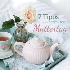 So zeigst Du Deiner Mama, dass sie die Beste ist!   In Deutschland feiern wir jährlich am zweiten Sonntag im Mai den Muttertag. Da wir im Alltag nur allzu oft vergessen, unseren Müttern für ihre Arbeit zu danken, sollten wir diesen Tag nutzen und uns richtig ins Zeug legen, um sie rundum glücklich zu machen. Hier findest Du 7 Tipps und Geschenk-Ideen für den perfekten Muttertag!
