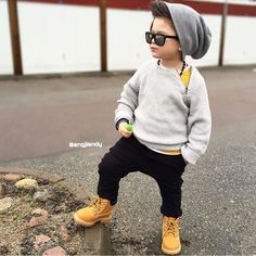 This Month's Best Street Style Looks of boy Kids Fashion - The Day Collections Cute Baby Boy Outfits, Little Boy Outfits, Cute Outfits For Kids, Cute Baby Clothes, Toddler Outfits, Toddler Swag, Little Kid Fashion, Kids Fashion Boy, Toddler Fashion