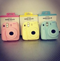 Fujifilm Instax Mini 8 camera, comes in pastel pink, yellow, blue and white! I want this so bad, I feel it's so much fun! Poloroid Camera, Instax Mini Camera, Fujifilm Instax Mini 8, Fuji Instax, Polaroid Camera Colors, Mini Polaroid, Polaroid Instax, Polaroid Ideas, Camera Art