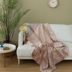 Wood Creations, Take A Nap, Teak Wood, Home Decor Items, Rattan, Home Furnishings, Decorative Pillows, Living Room Decor, Cozy