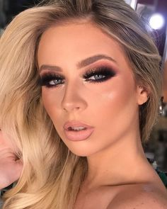 Holiday makeup looks; promo makeup looks; wedding makeup looks; makeup looks for brown eyes; glam makeup looks. Bold Eye Makeup, Smoky Eye Makeup, Glam Makeup Look, Glamorous Makeup, Makeup For Brown Eyes, Party Makeup Looks, Holiday Makeup Looks, Wedding Makeup Looks, Bridal Makeup