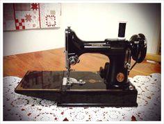 In Sue's World: Singer 221 Featherweight Sewing Machine