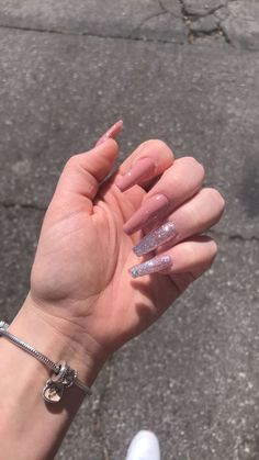 """If you're unfamiliar with nail trends and you hear the words """"coffin nails,"""" what comes to mind? It's not nails with coffins drawn on them. It's long nails with a square tip, and the look has. Aycrlic Nails, Stiletto Nails, Best Acrylic Nails, Acrylic Art, Rose Gold Nails, Blush Pink Nails, Ballerina Nails, Holographic Nails, Gradient Nails"""