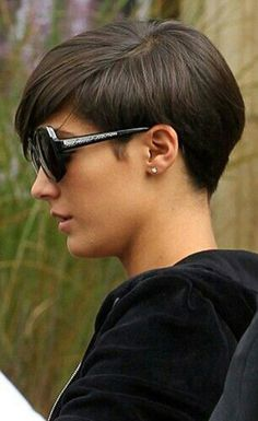 Short and Straight Hairstyles