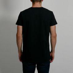 Streetwear, Design Kaos, Plain White T Shirt, T Shirt Design Template, Vintage Outfits, Shirt Designs, Tee Shirts, Logo Design, Hoodies