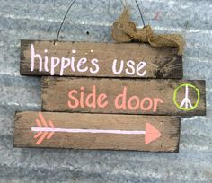 Hippie Sign Outdoor Sign Peace Sign Wall by PaePaesPlace Diy Craft Projects, Fun Crafts, Arts And Crafts, Craft Ideas, Hippie Chic, Hippie Vibes, 1960s Party, Hippie Crafts, Hippie House