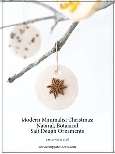 Natural Christmas Ornaments, Salt Dough Christmas Ornaments, Clay Christmas Decorations, Noel Christmas, Xmas Crafts, Homemade Christmas, Diy Ornaments, Homemade Ornaments, Beaded Ornaments