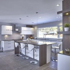 A Big Kitchen interior design will not be hard with our clever tips and design ideas. More Most Popular Kitchen Design Ideas on 2018 & How to Remodeling Best Kitchen Designs, Modern Kitchen Design, Interior Design Kitchen, Big Kitchen, Kitchen Decor, Kitchen Ideas, Awesome Kitchen, Country Kitchen, Kitchen Layout