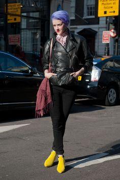"""Visionnez notre sélection """"street style"""" effectuée lors de la Fashion Week de Londres.    http://femina.ch/galeries/mon-style/street-style-notre-selection-londonienne    (CP: Imaxtree)"""
