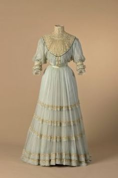 "Day dress by Doucet, no date, likely late Pastel blue silk gauze and embroidered machine tulle. The museum's caption refers to the ""day bodice,"" so perhaps there was also an evening bodice. Via Mode Museum, Hasselt. Edwardian Gowns, Edwardian Clothing, Antique Clothing, Historical Clothing, Historical Dress, Women's Clothing, Vintage Outfits, Vintage Gowns, Vintage Mode"