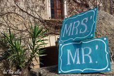 cartel_mrs_mr_tiza_las_tres_sillas Neon Signs, Wedding Decoration, Poster, Chairs, Lyrics, Furniture